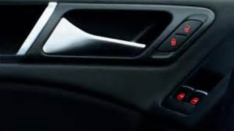 The Possible Problems with Your Automobile Power Windows