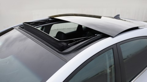 Common car sunroof problems and sunroof maintenance