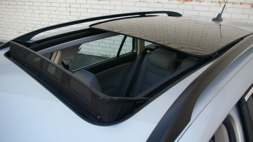 How to Maintain a Sunroof