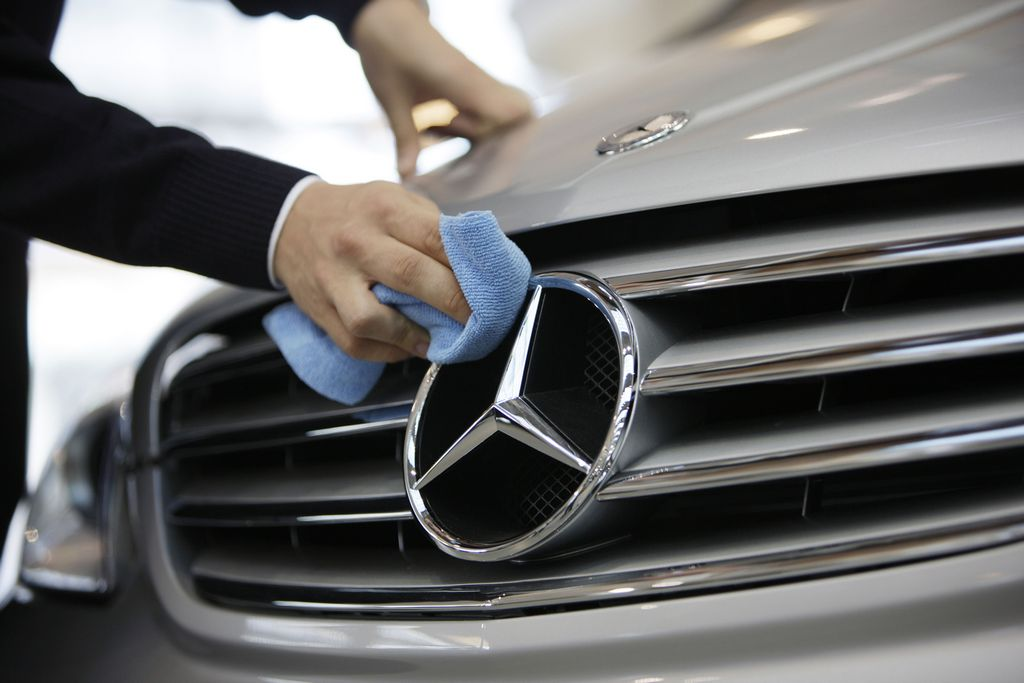 Mercedes benz recommended service requirements autointhebox for How much is service b for mercedes benz