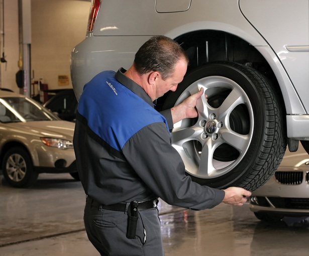tire rotation auto service tips autointhebox. Black Bedroom Furniture Sets. Home Design Ideas
