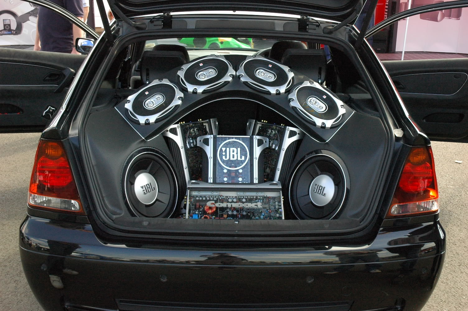 car audio system overview for your understanding. Black Bedroom Furniture Sets. Home Design Ideas