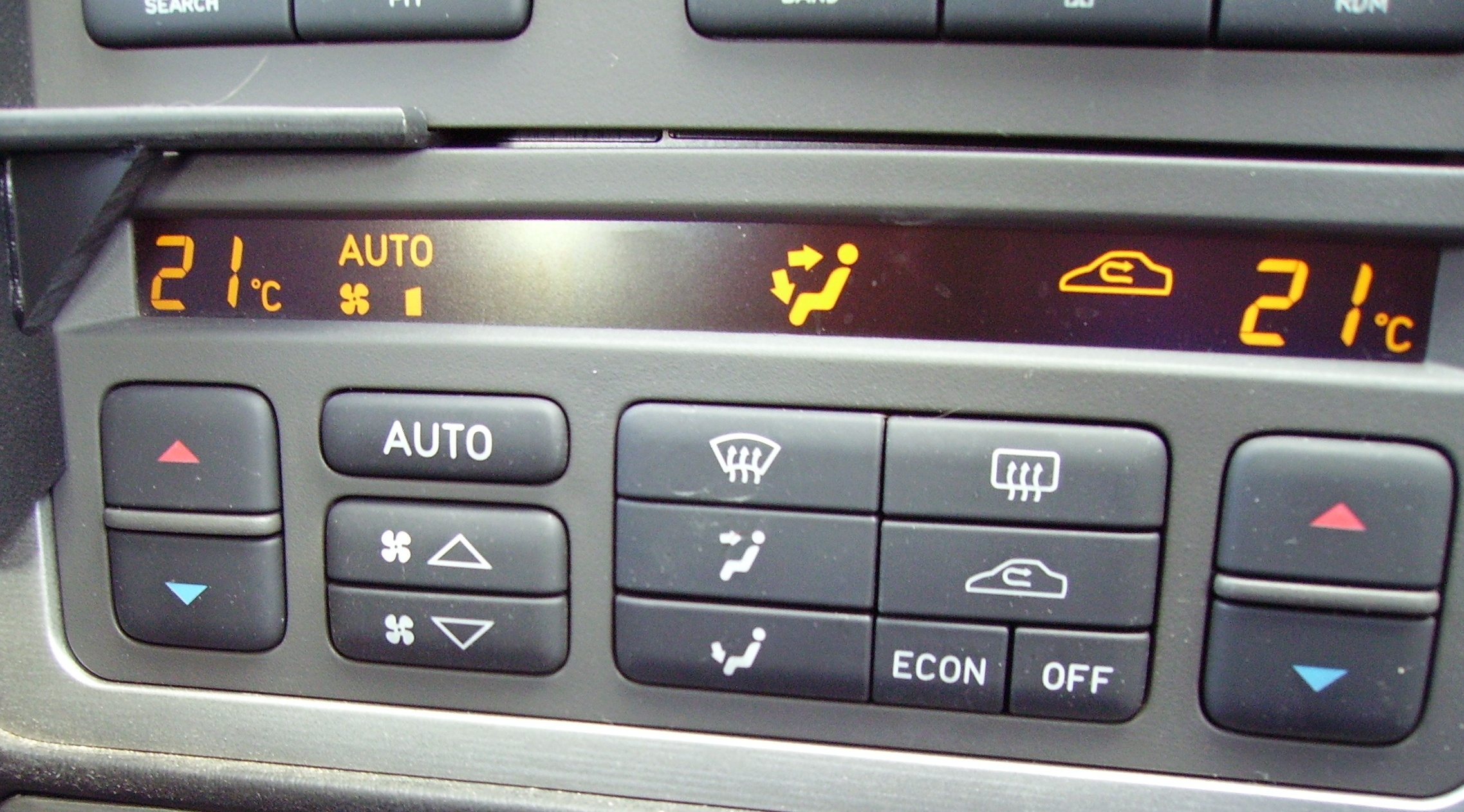 Troubleshoot automatic climate control system autointhebox