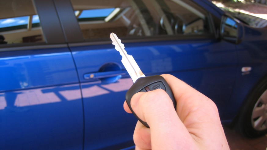 Guides on automotive door lock maintenance