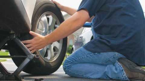 The simple and easy tire changing can also goes wrong