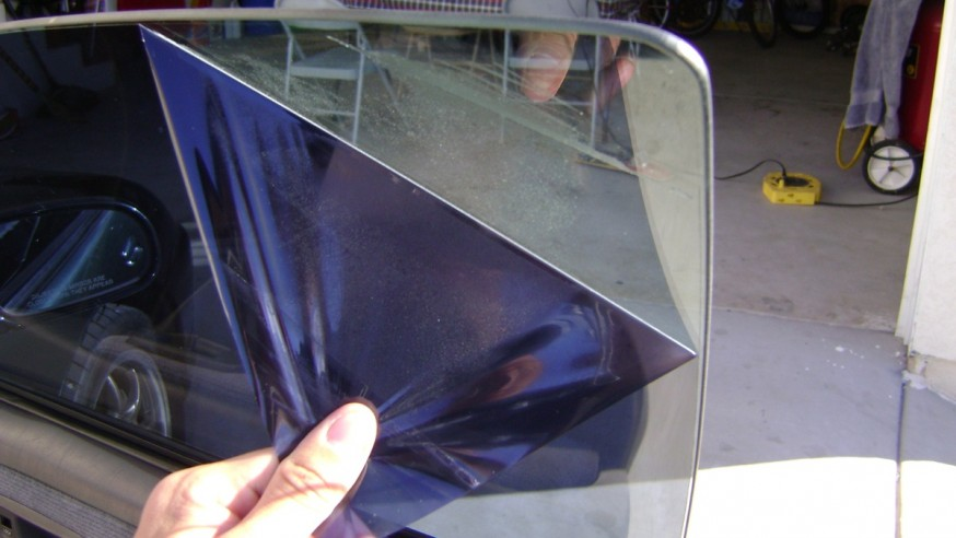 Things to bear in mind to facilitate car tint removal