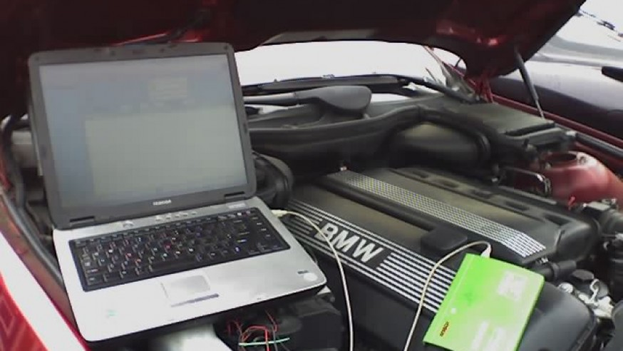 Using a laptop as an automotive scan tool