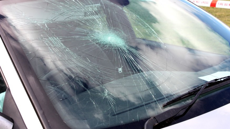 What to do if you get a damaged auto windshield